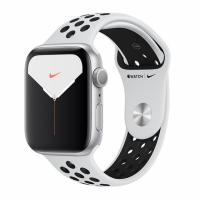 Apple Watch 5 Nike 40mm Silver Aluminum / Pure Platinum Sport Band